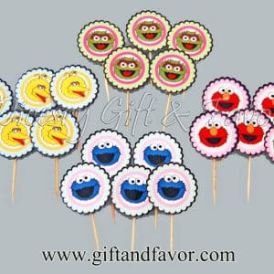 personalized-cupcake-toppers